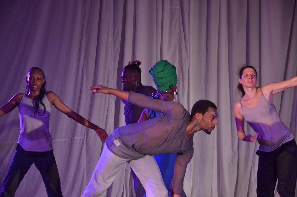 danse insolite 13
